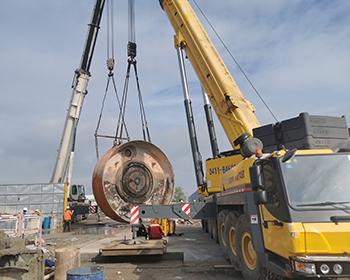 大连博瑞重工200吨龙门吊吊装工程